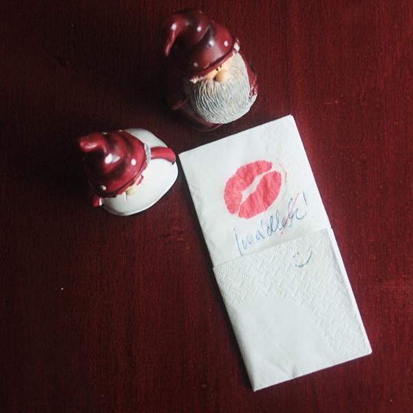 bélyegző-csók.jpg