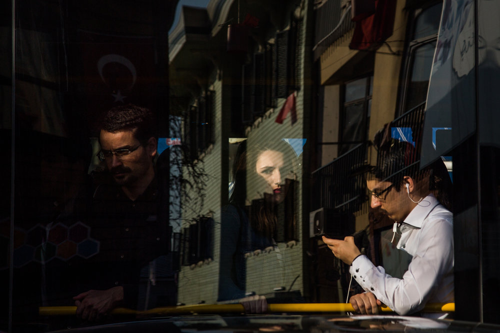 Busy street life in  Çengelköy