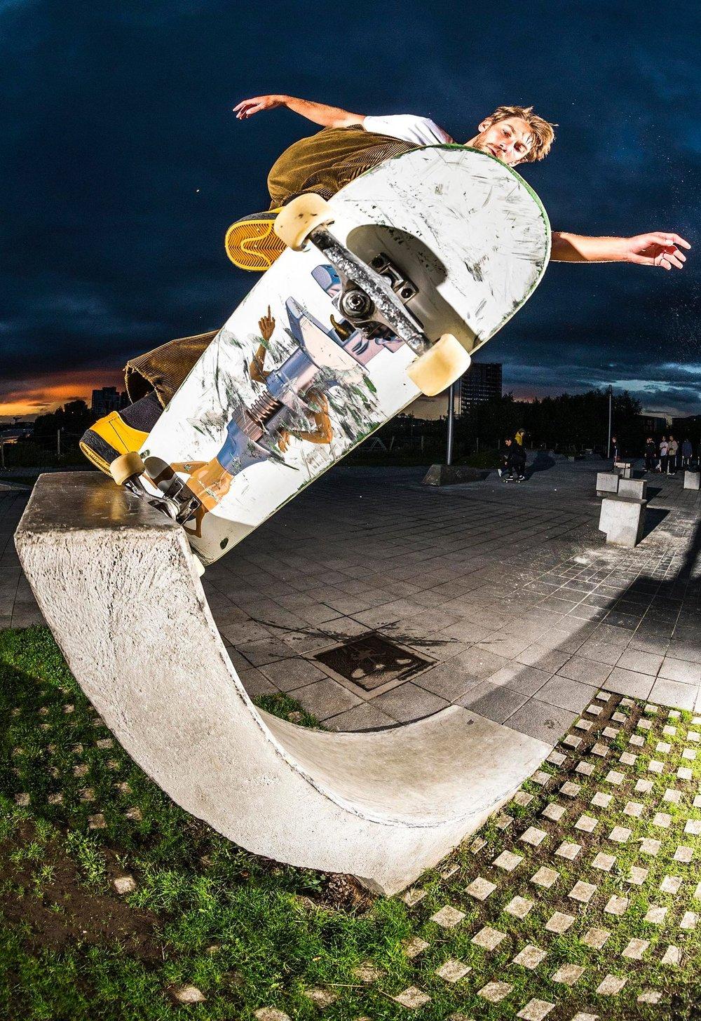 Chris_Jones_Pivot_Fakie_Transport_Musuem_Glasgow_photo_Reece_Leung_Welcome_Skate_Store_Interview_2048x2048.JPG