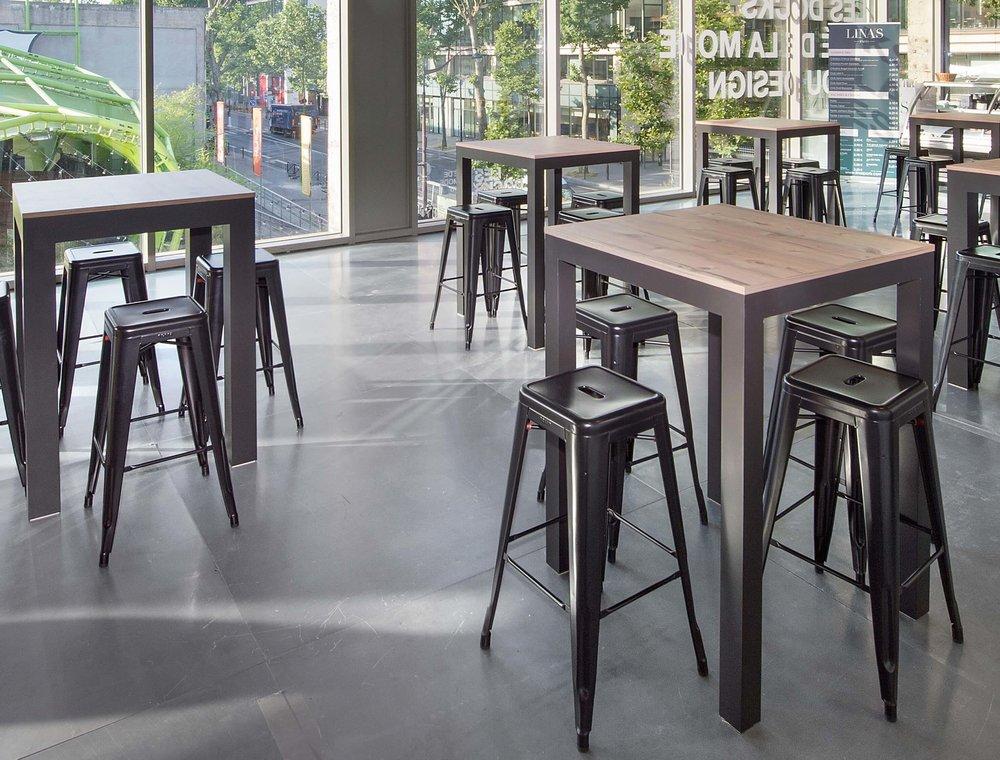 Pièces de designers, mobilier tendance sélectionné pour vous,renouvelé fréquemment grâce à l'arrivage de nouveautés.