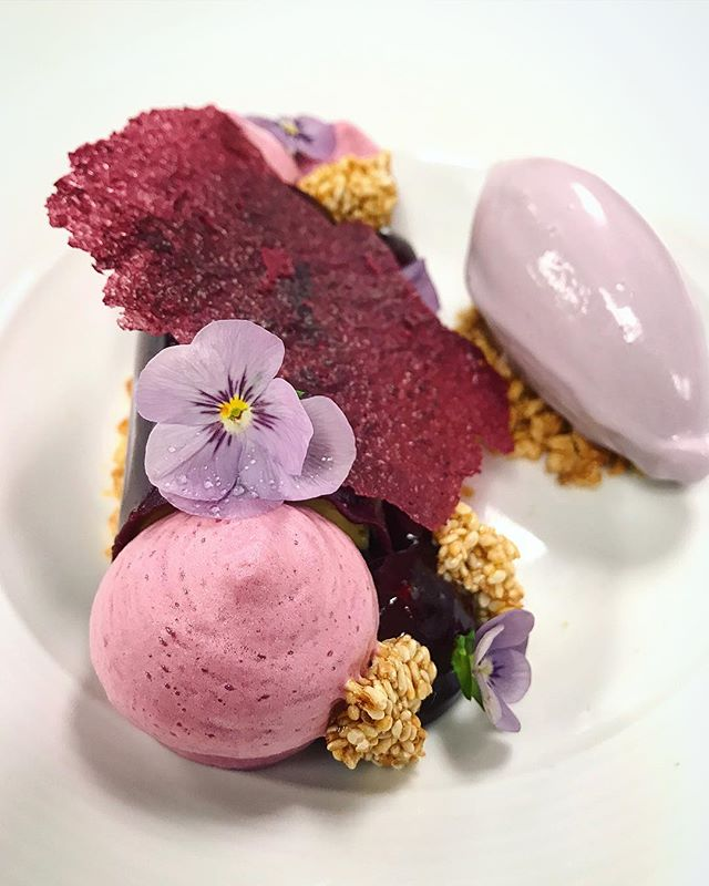 Our new dessert: P B & J  Happiness is spoonful of Peanut butter & Jelly. This is our talented pastry chef @urbansucrose fun take on PB&J :  Peanut nougatine, caramelized white sesame, tahini mousse, Concord grape ice cream.. excuse me, I just drooled 🤤😊 #cafeartscience #cambridgema #kendallsquare #pastry #theartofplating #sweet #foodie