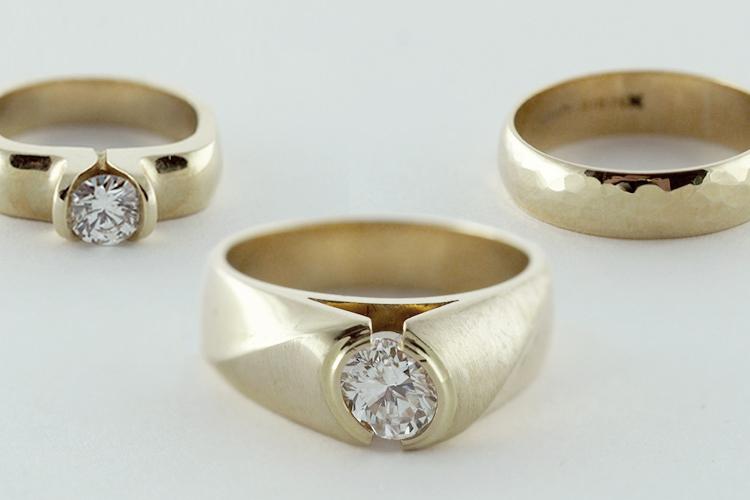 Thumbs-RINGS-Engagement.jpg