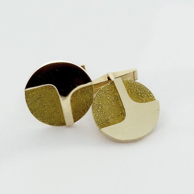 <b>Gold Cufflinks</b> <br>reg.RT: $1,653/Special: $1,157<br>14K Yellow Gold