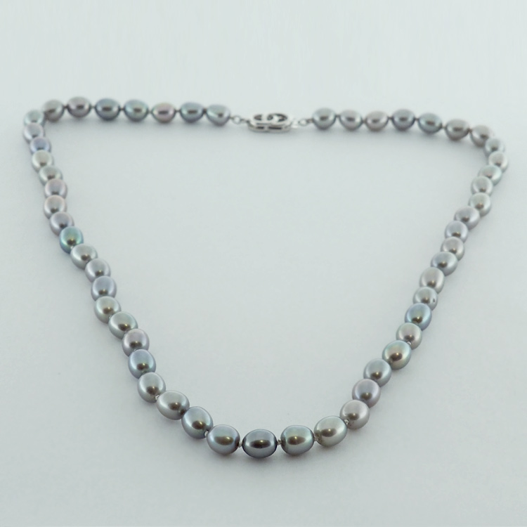 <b>Soft Grey</b><Br>$481<br>Oval Grey Fresh<Br>Water Pearls