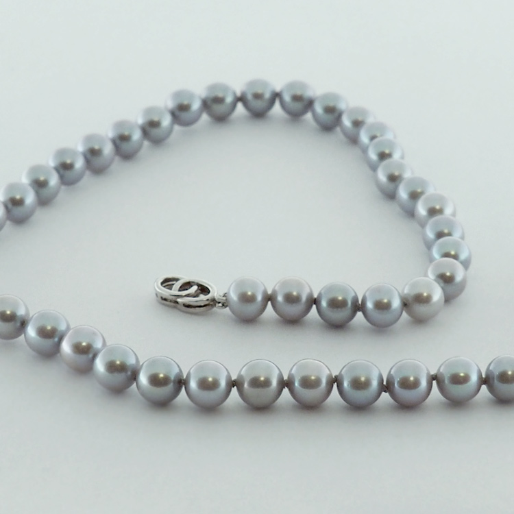 <b>Grey Shimmer</b><br>reg.RT: $1,300/Special: $ 1,000<br> Round Grey<Br> Fresh Water Pearls<Br>8-8.5mm
