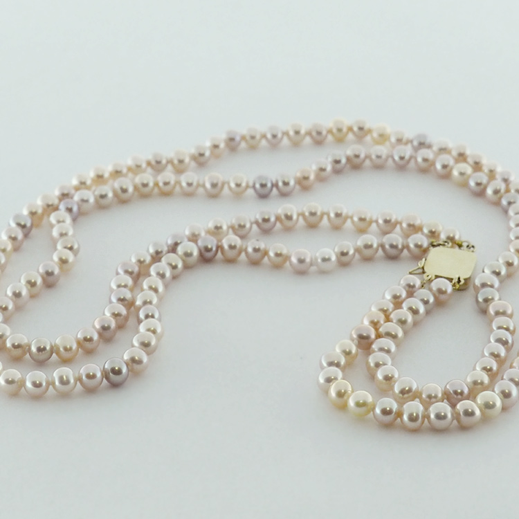 <b>Double Row</b><br>$500<br> Round Pink<br> Fresh Water Pearls