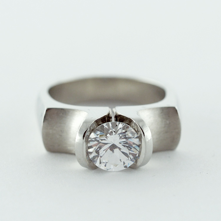 "$3,522<br>19K White Gold, <Br>Limited Edition 1/99, <br>Design: ""Tulip Classic Supreme""<br>Diamond (7mm) is Extra"