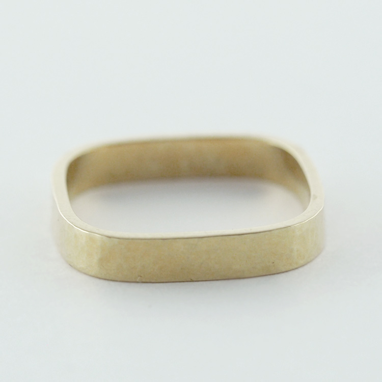 $798<br>14K Yellow Gold<br>Hammering Texture