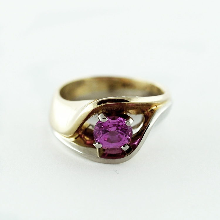 reg.RT: $6,087/ LT-Promotion: $4,870<br>19K White Gold,<br>14K Yellow Gold,<br> Limited Edition 4/99,<Br> natural untreated pink Sapphire of 1.01ct