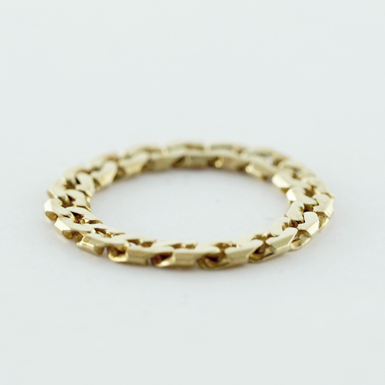 <B>Chain Ring</b><br>reg.RT:$325/ Promotion:$227<Br>18K Yellow Gold