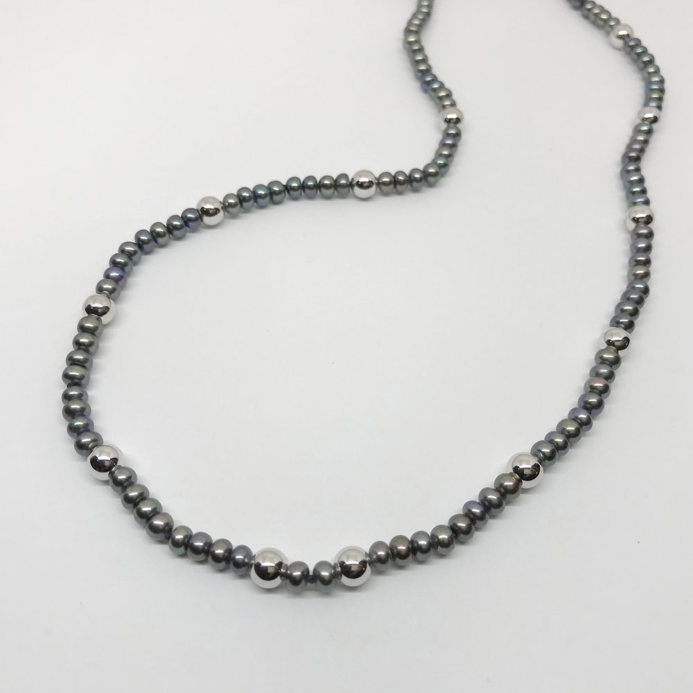 <b>Black FW Pearls w. Gold Beads</b><br>$528<br>Twelve 6mm WG Ball Beads<br>14K WG Clasp