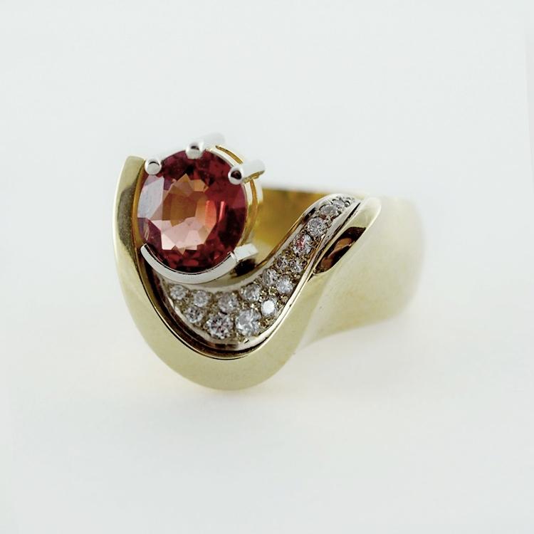 regRT: $6,346/ LT-Promotion: $4,500<br>18K Yellow Gold,<br>19K White Gold,<br> Genuine Orange-Red<br> Spinel, 17 Brilliant<Br> Cut Diamonds