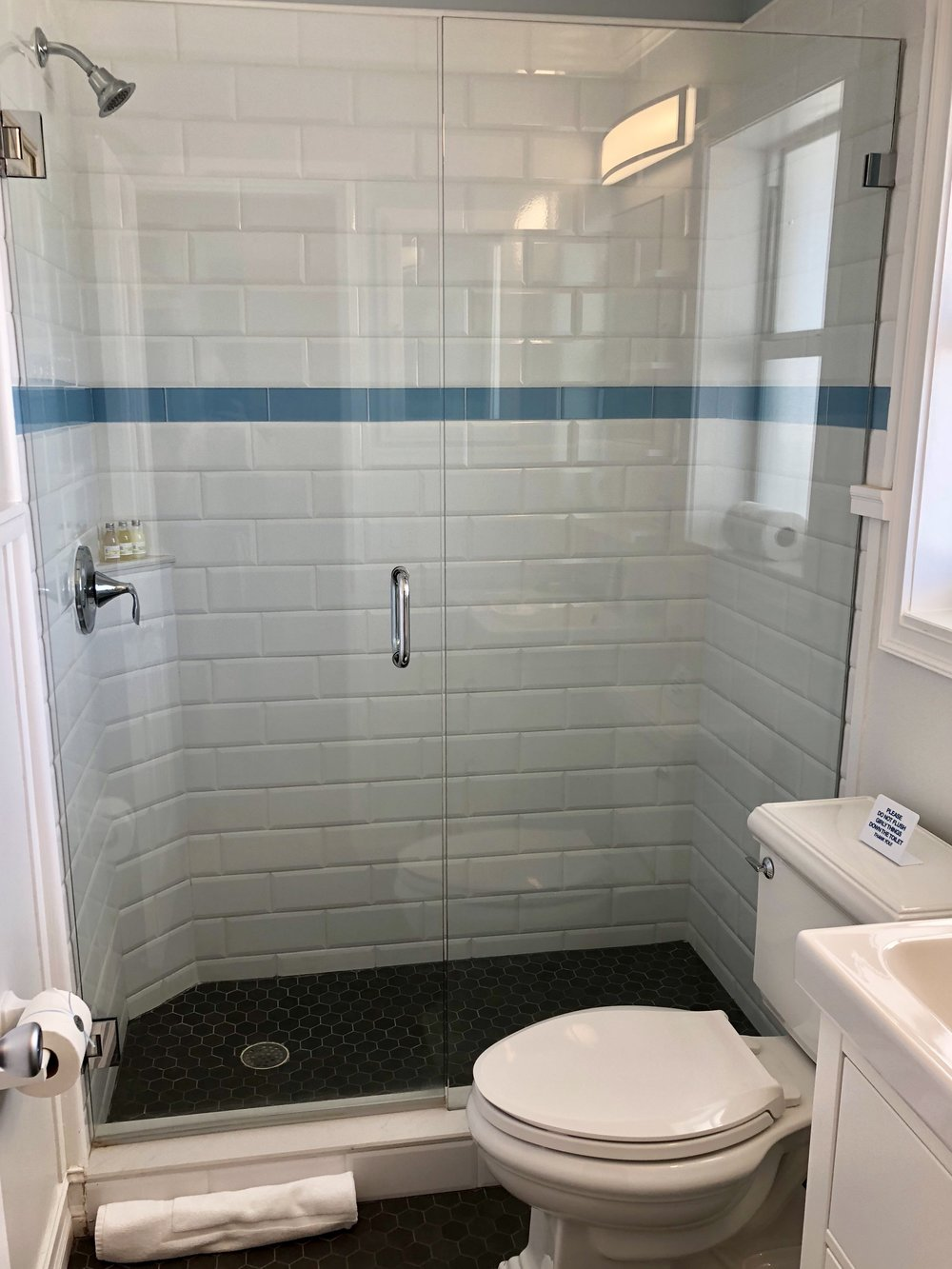 bathroom1.jpeg