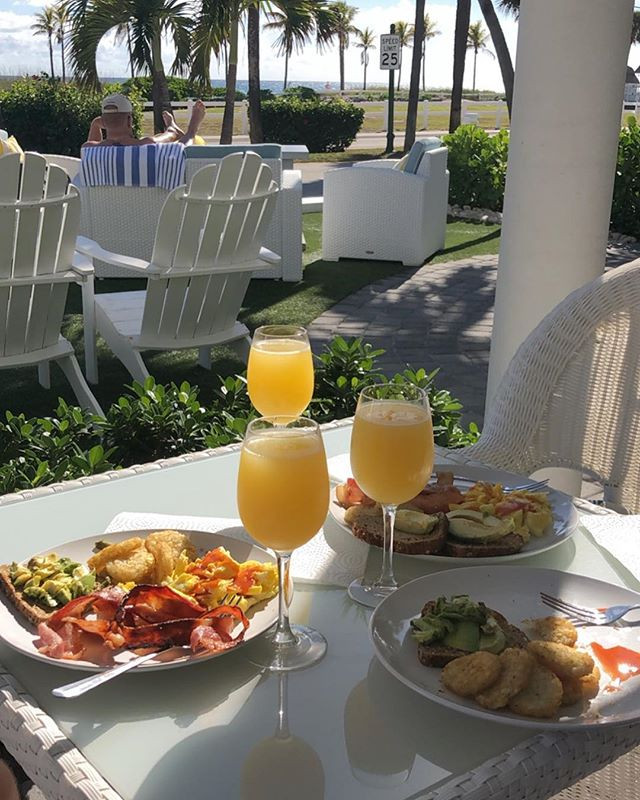 Where do you want to want up and have brunch? #bvr #beachside #poolside #lbts #sundayfunday