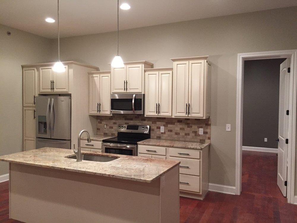 205 Kitchen.JPG
