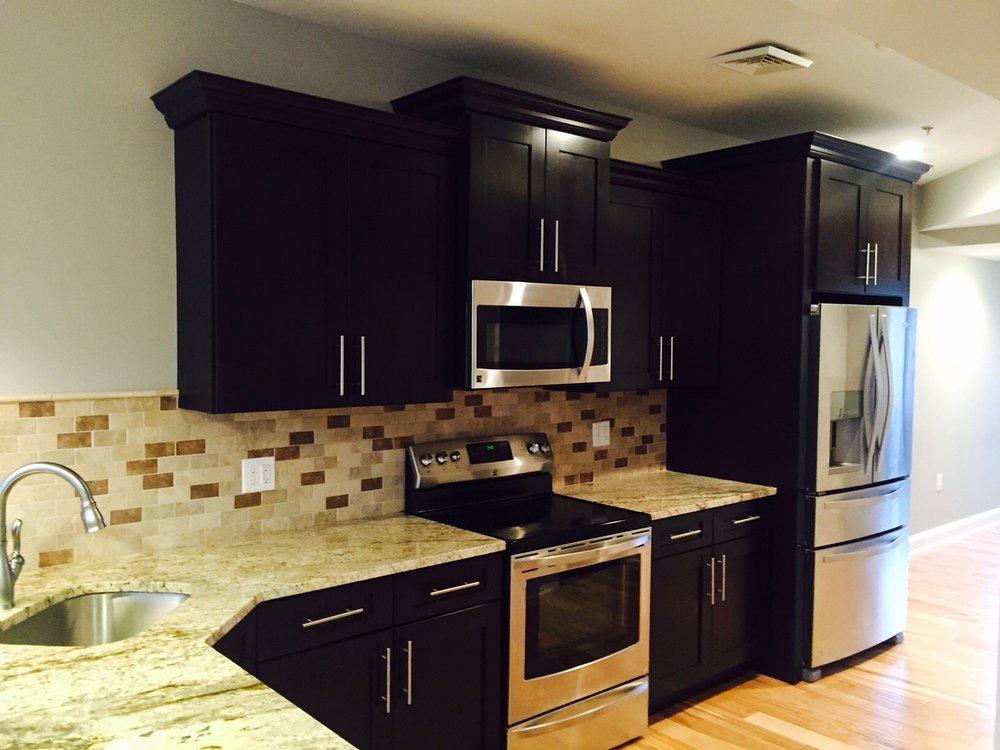 Hampton West 301 Kitchen.jpg