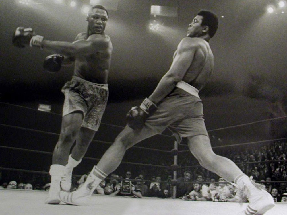Muhammed Ali shows off his phenomenal balance