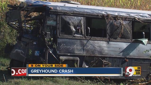 Greyhound_bus_crash_leaves_34_people_inj_919550000_915239_ver1.0_640_480.jpg