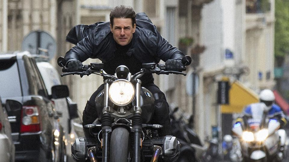 Stop riding that motorcycle so fast, Tom Cruise! You're going to die!