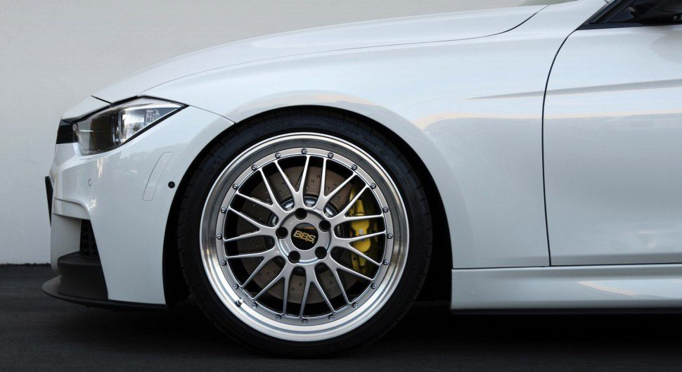 White-BMW-Close-up-side-shot-BBS-wheels-970x529.jpg