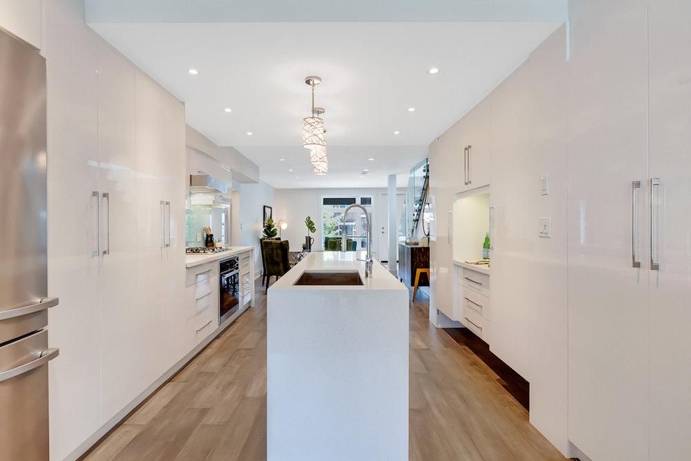 DSC09503-SilverHouse-Toronto-Real-Estate-Photography.jpg
