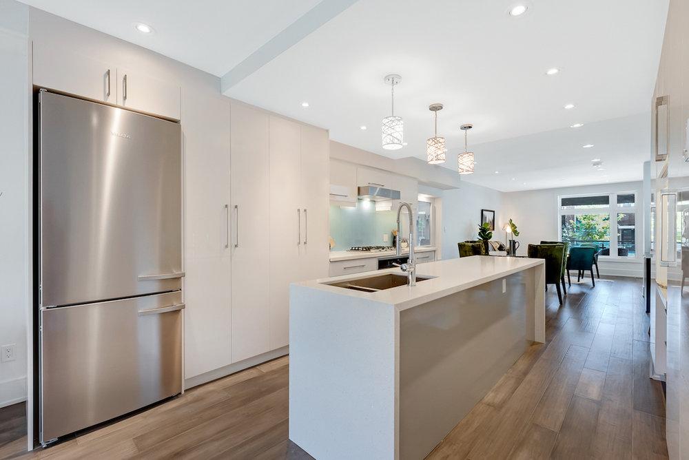 DSC09530-SilverHouse-Toronto-Real-Estate-Photography.jpg