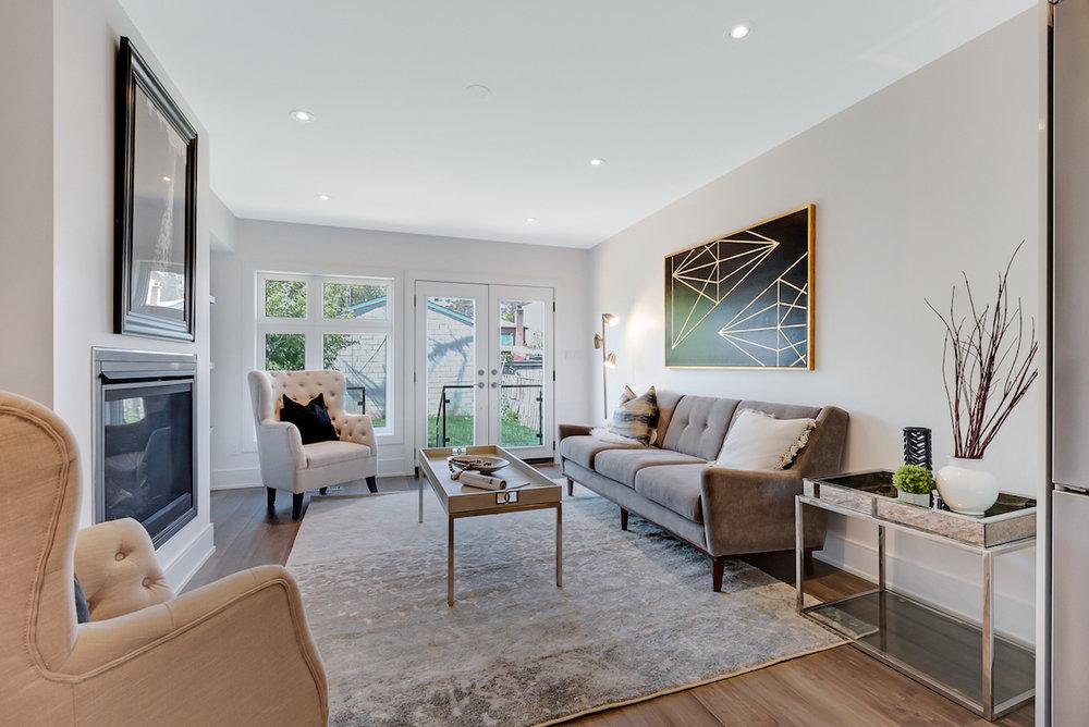 DSC09524-SilverHouse-Toronto-Real-Estate-Photography.jpg