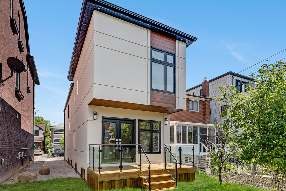 DSC09752-SilverHouse-Toronto-Real-Estate-Photography.jpg