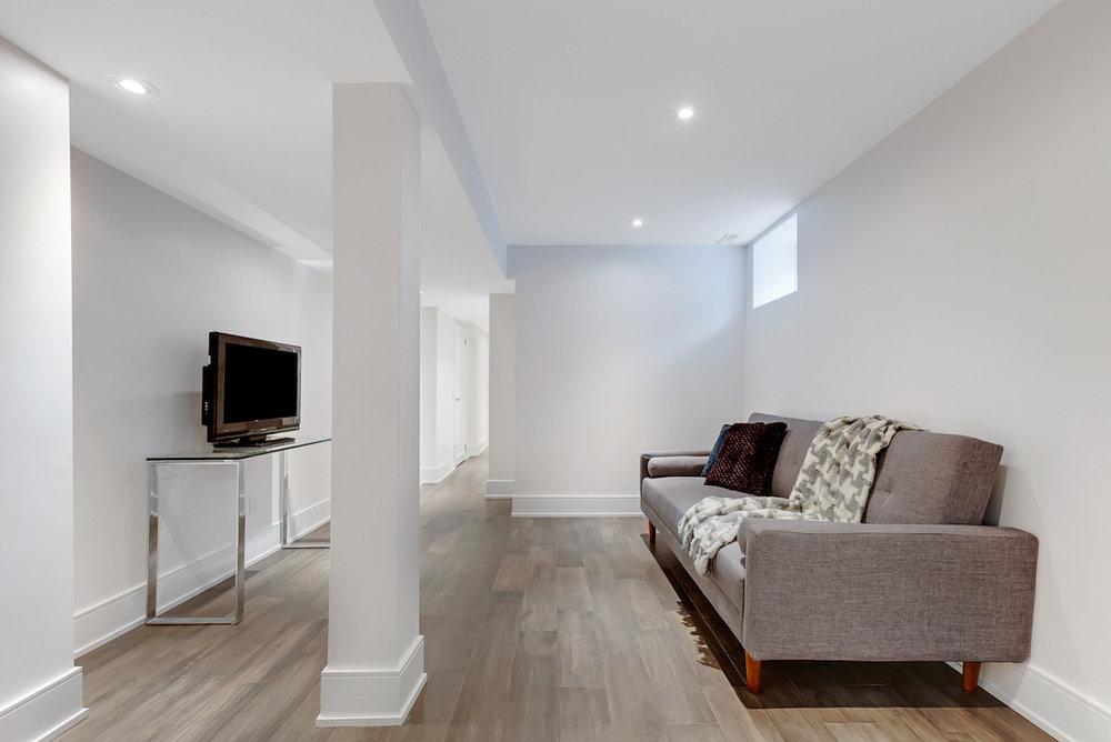 DSC09572-SilverHouse-Toronto-Real-Estate-Photography.jpg