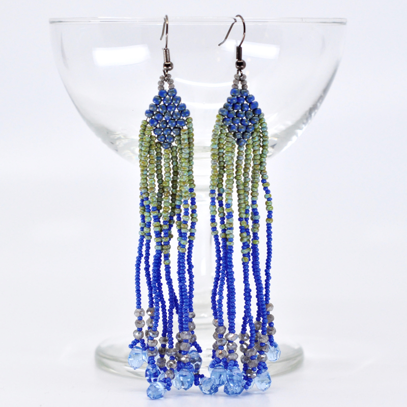 - Long beaded earrings are what you need this summer! This intro seed bead class will teach you how to use different bead weaving techniques to create dangly, beaded earrings with endless design possibilities! Click here to register online. Call us at 512-963-2323 to register by phone.