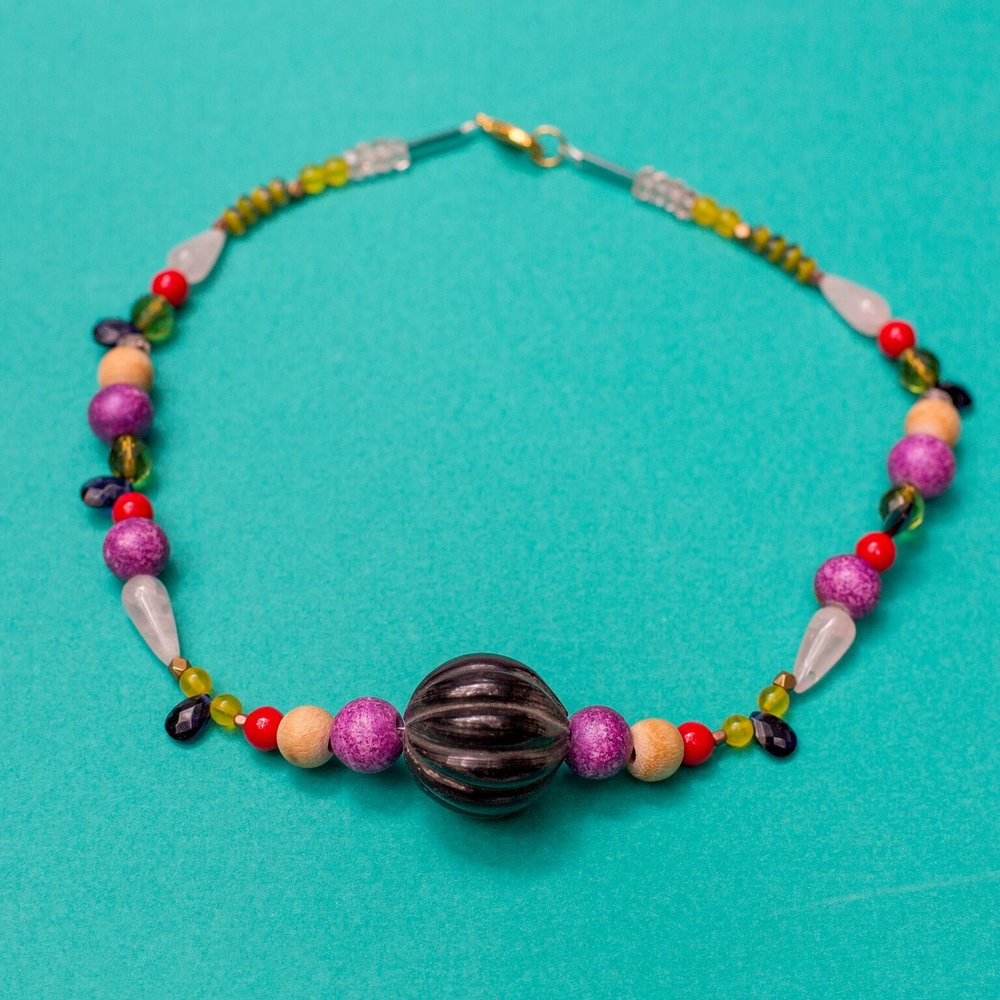 - We are so excited that you are interested in our kids class! We play with a bunch of beads, chains, and charms to get your littles' creative minds running.Click here to register online.Call us at 512-963-2323 to register by phone.