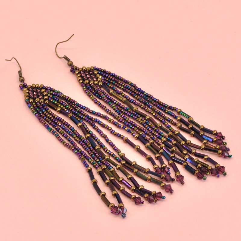 - Long beaded earrings are what you need this summer! This intro seed bead class will teach you how to use different bead weaving techniques to create dangly, beaded earrings with endless design possibilities!Click here to register online.Call us at 512-963-2323 to register by phone.