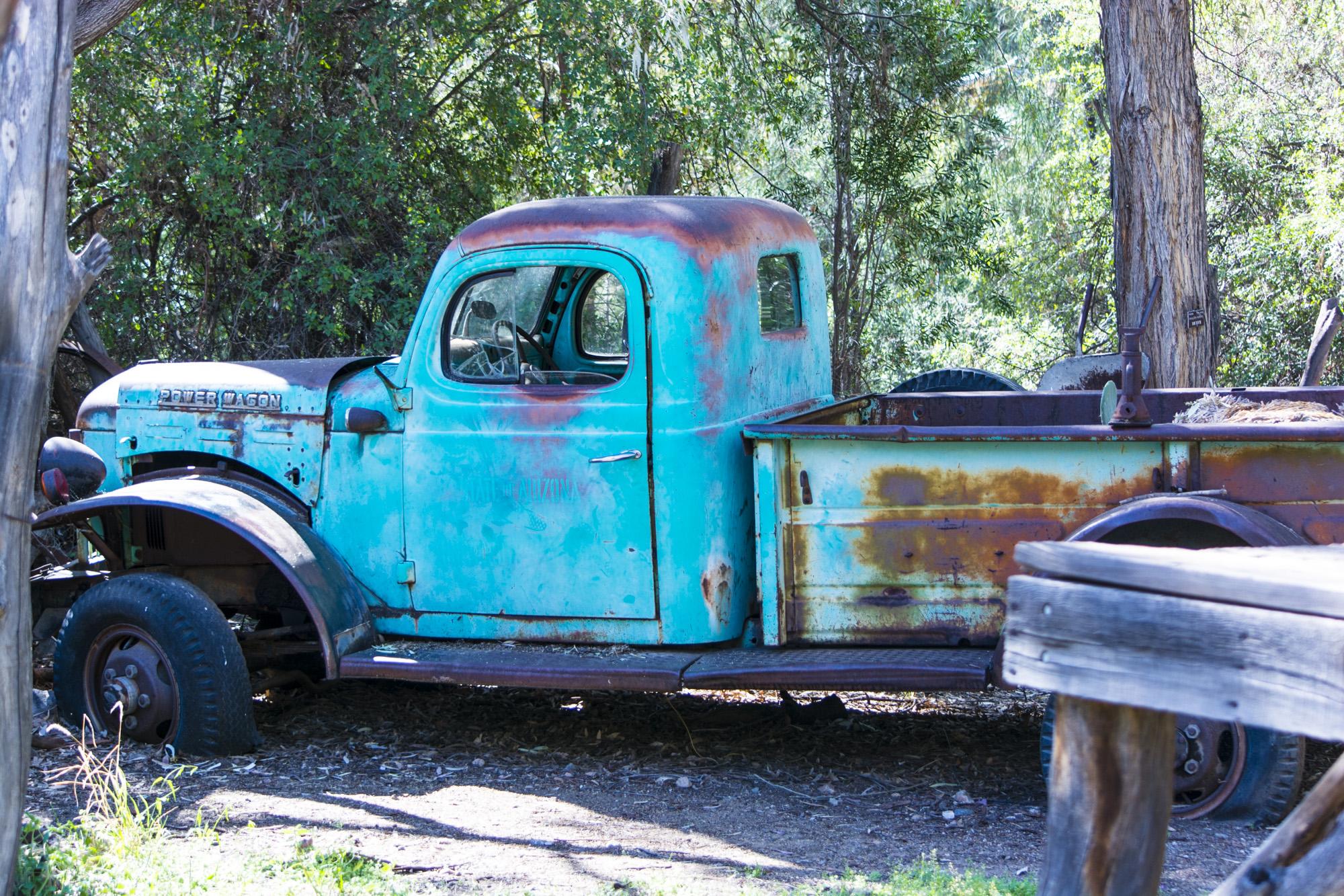 truck-1395617184OQQ