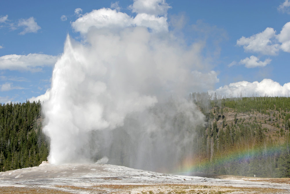 old-faithful-geyser-and-rainbow.jpg