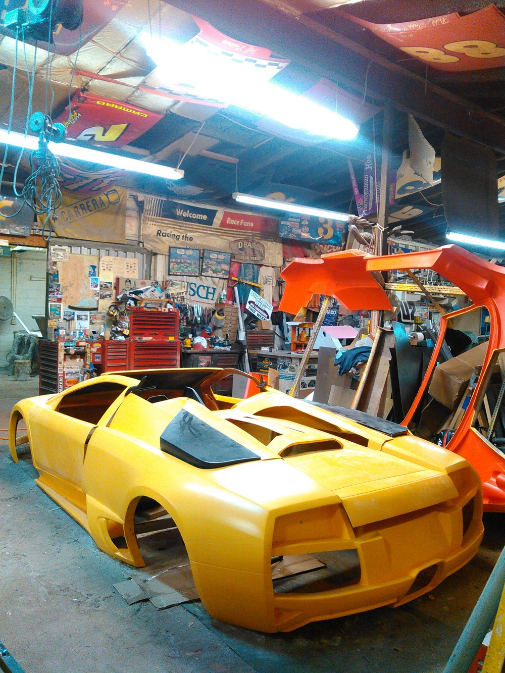 Lamborghini Replicas Dur A Flex Racing
