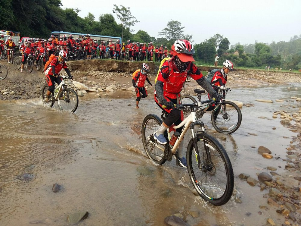 "The ""Kung Fu Nuns"" on the 2016 Bicycle Yatra through the Himalayas"