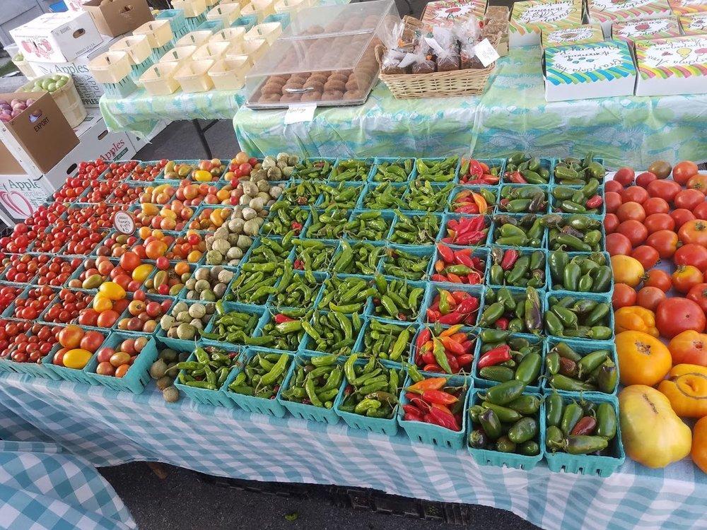 pepper tomato table.jpg