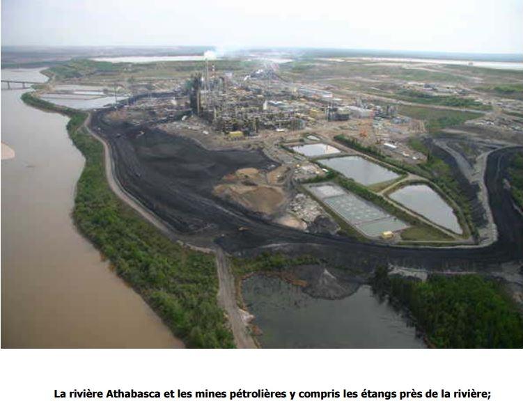 La rivière Athabasca et les mines pétrolières