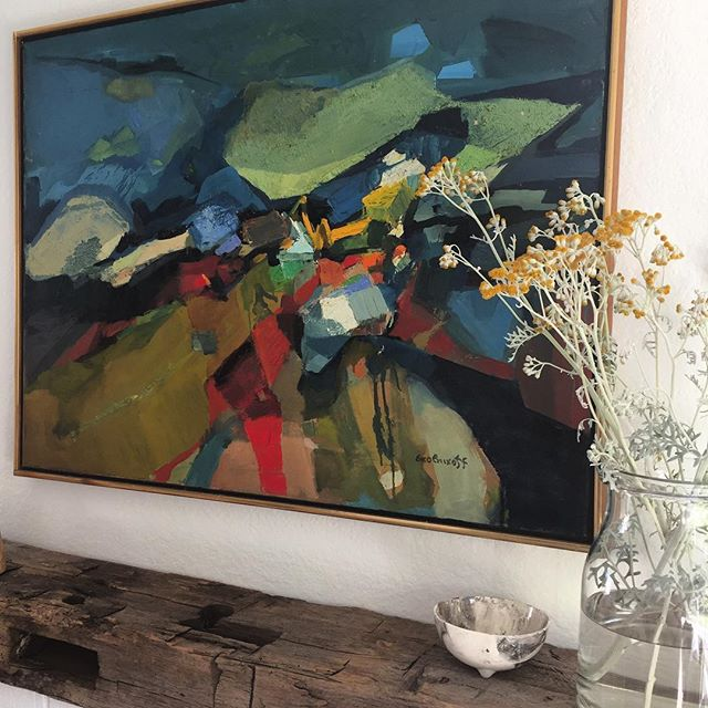 It's so convenient when my garden clippings match the art! #abstractart  #fineart #caainstall #dustysilver