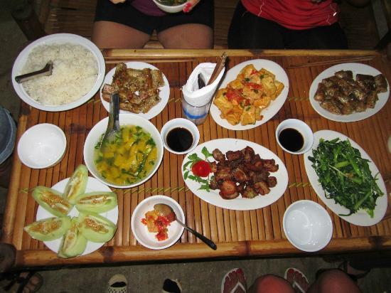 Repas-chez-lhabitant-Mai-Chau.jpg