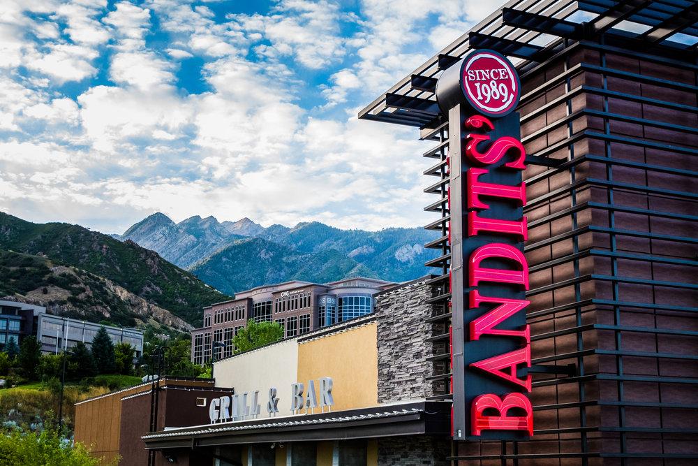 bandits-grill-and-bar-restaurant-5.jpg