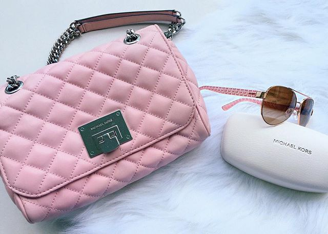 #MichaelKors in #pink 🌸  #handbag