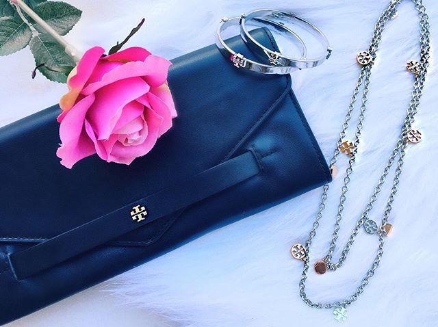 #toryburch #clutch #accessories 🌸