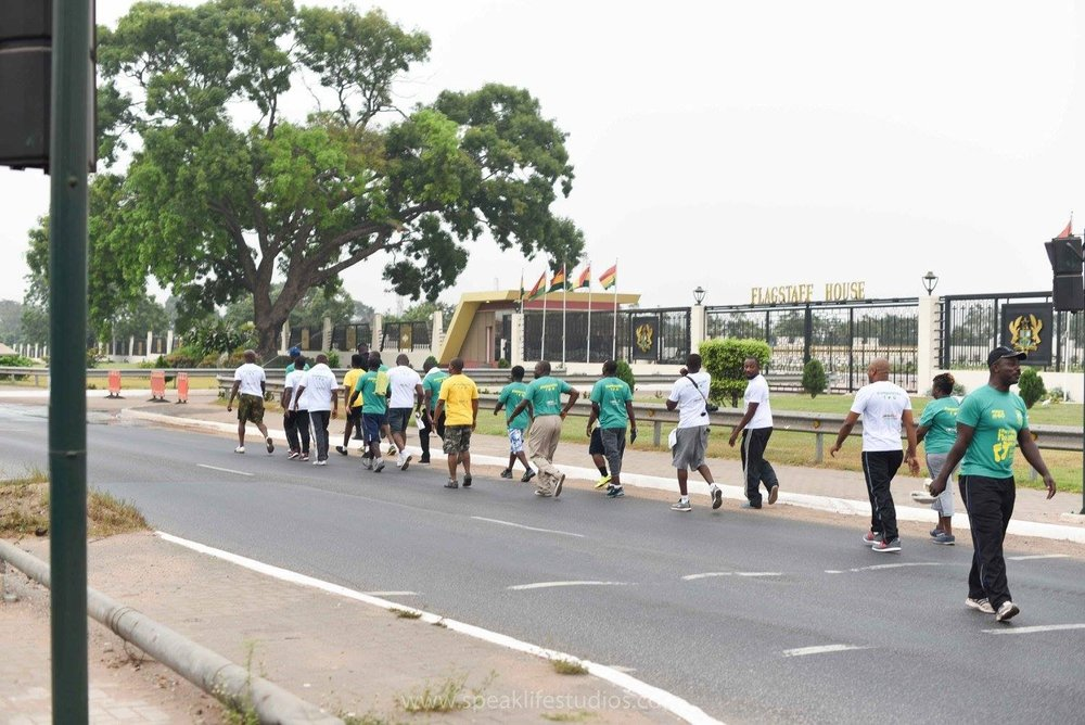Early Breakaway Leaders Past Flagstaff House...