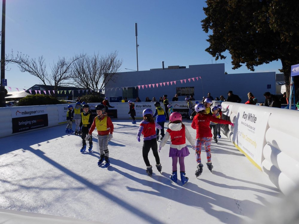 Crowds skating at the 2017 Rangiora Winter Festival.