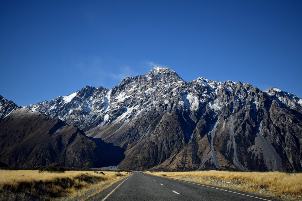 How can you resist living near views like this? // Mount Cook National Park.