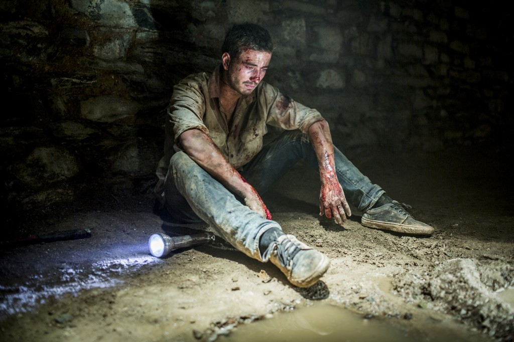 WolfCreek2_Ryan-Corr-as-Paul_-in-the-lair-tunnels-3