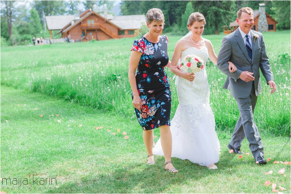 Mountain-Springs-Lodge-Leavenworth-Wedding-Maija-Karin-Photography_0019.jpg