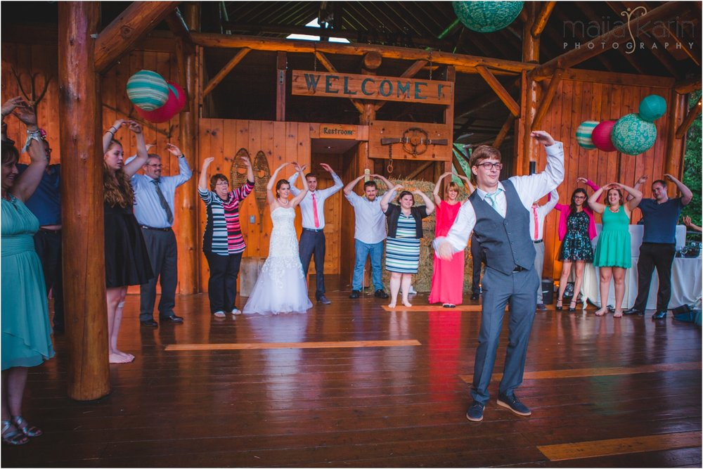 Mountain-Springs-Lodge-Leavenworth-Wedding-Maija-Karin-Photography_0032.jpg