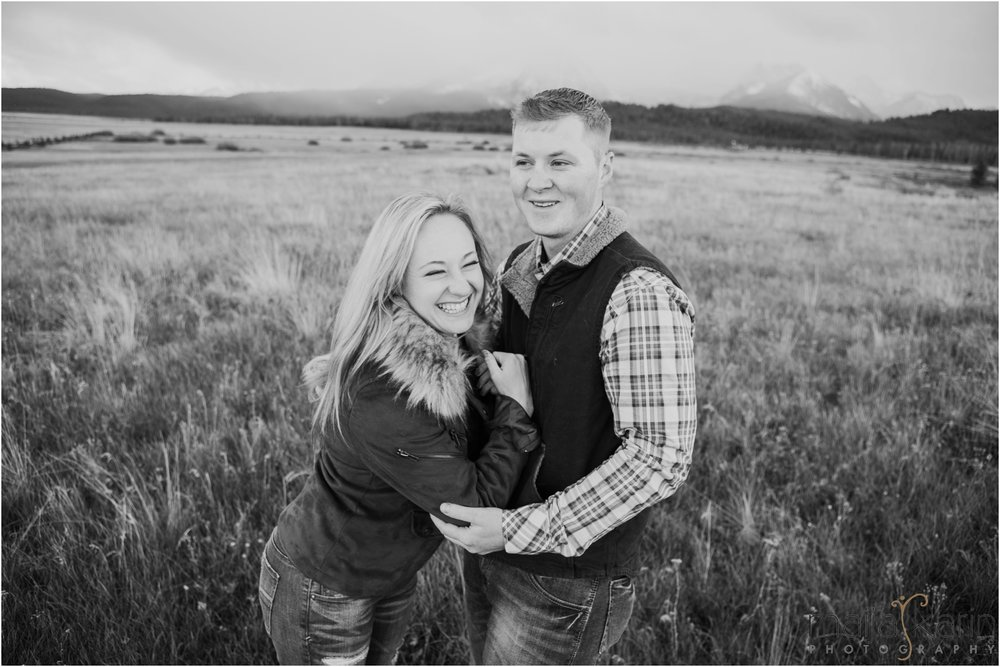 Stanley-Lake-Engagement-portraits-Maija-Karin-Photography_0019.jpg